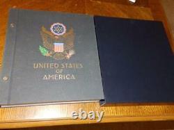(5169) U. S. A Stamp Collection In Davo Album M & U 1945-1990