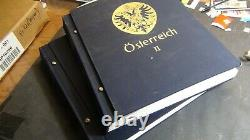 Austria collection in Davo hingeless 2 Vol. Albums to 2001 with 2,600 stamps