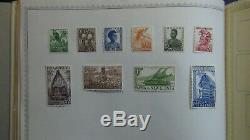 Most British stamp collection in Minkus Comp. Album with 2,700 or so stamps to'52