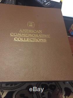 Album De Collection De Timbres Commémoratifs Américains Très Impressionnant Rempli De Timbres