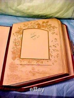 Antique Red Album Photo En Velours Estampillé Breveté Le 6 Juin. 1882 Couvertures Uniques