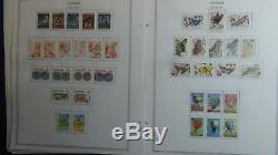 Collection De Timbres Surinam Sur Les Pages De L'album Minkus À 92 Avec Environ 910 Timbres