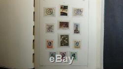 Italie Collection Épaisse De Timbre Dans L'album De Phare Avec 1150 Timbres To'76